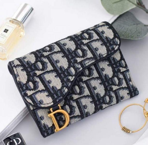 特價Dior 迪奧 SADDLE 翻蓋經典Oblique 提花卡夾(售價已折) Dior 迪奧 SADDLE Oblique 提花卡夾