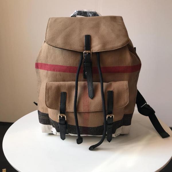 日本代購-特價BURBERRY CANVAS 經典防水麻料格紋配牛皮後背包(售價已折) 日本代購,BURBERRY,後背包
