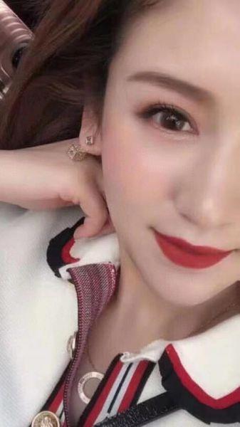 特價Dior 迪奧 DIOR 骰子耳環(售價已折) Dior 迪奧 ,耳環