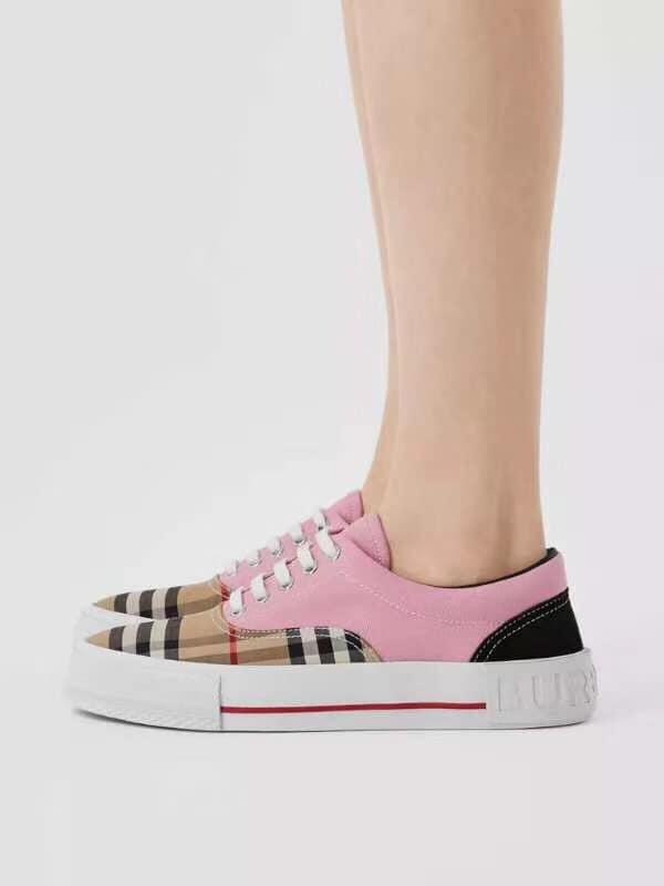 日本代購-BURBERRY 經典格紋配皮休閒鞋(售價已折) BURBERRY 經典格紋配皮休閒鞋