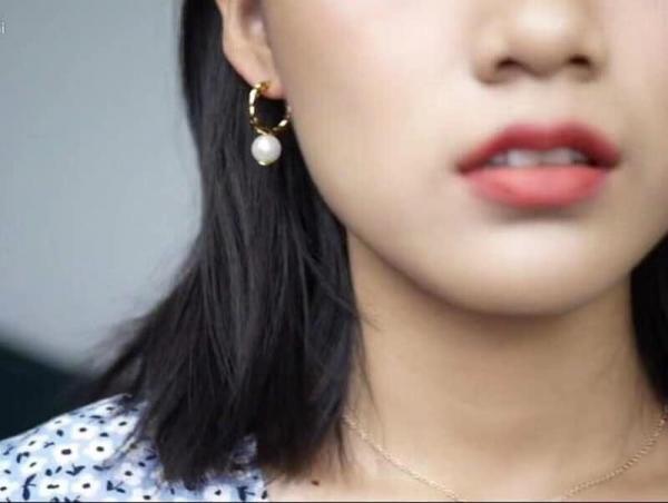 日本代購-特價Tory burch珍珠麻花K金耳環(售價已折) 日本代購,Tory burch,珍珠,K金,耳環