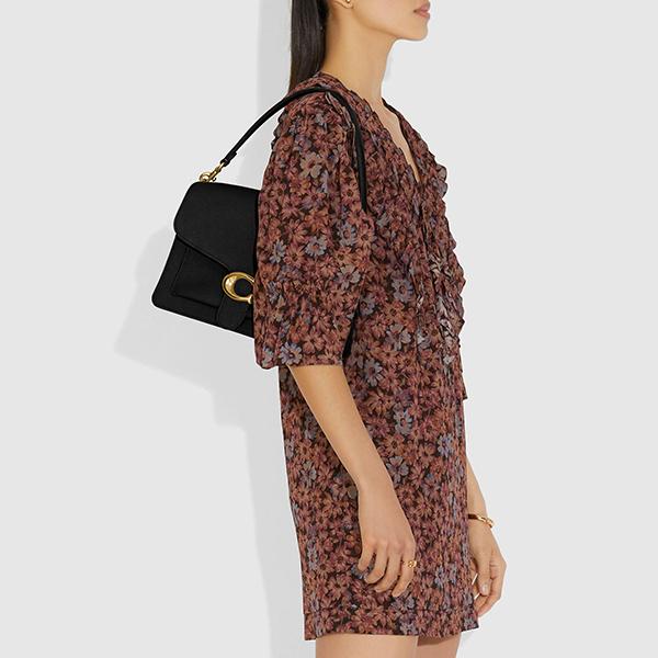 日本代購-COACH TABBY 優雅C標誌皮革肩背包 agnes b.,東區時尚,肩背包
