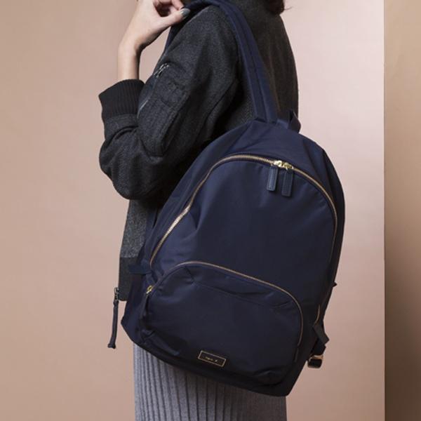 日本代購-agnes b.防水尼龍金色拉鍊後背包 agnes b.,東區時尚,後背包
