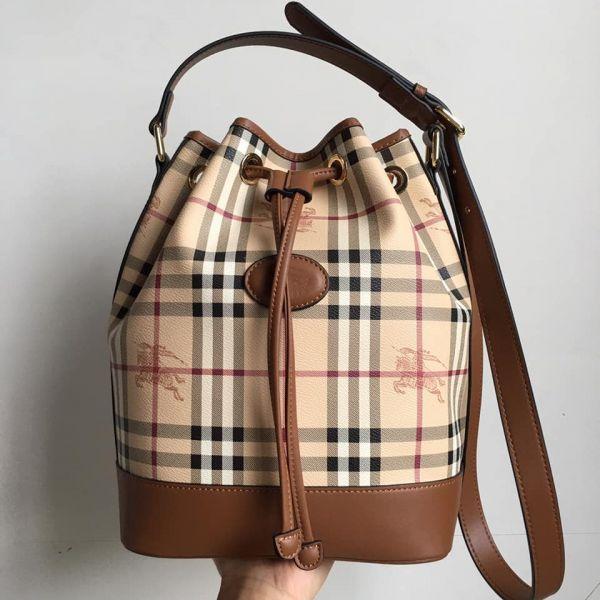超值代購特價BURBERRY復古格紋戰馬抽繩水桶包(售價已折) BURBERRY,水桶包