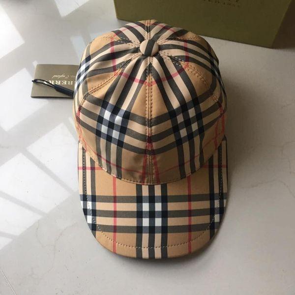 【超值代購】特價BURBERRY經典戰馬格紋漁夫帽(售價已折) 日本代購,BURBERRY,漁夫帽