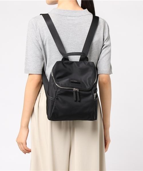 日本代購-agnes b.皮革提把雙色LOGO中性款後背包(小) agnes b.,東區時尚,後背包