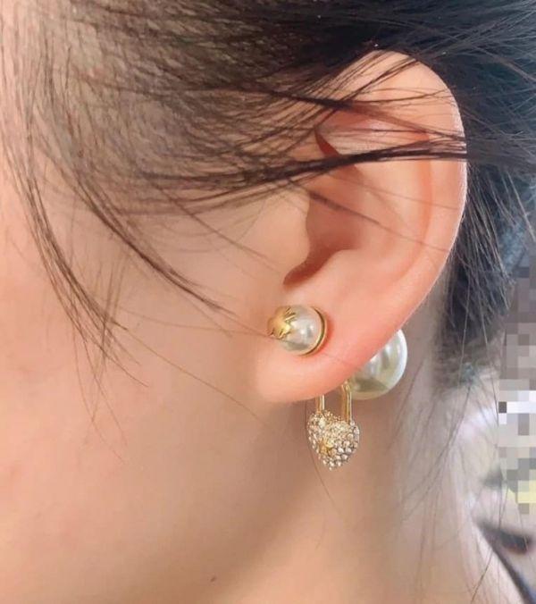 特價Dior 迪奧 愛心鎖五角星不對稱珍珠耳環(售價已折) Dior 迪奧 ,珍珠,耳環