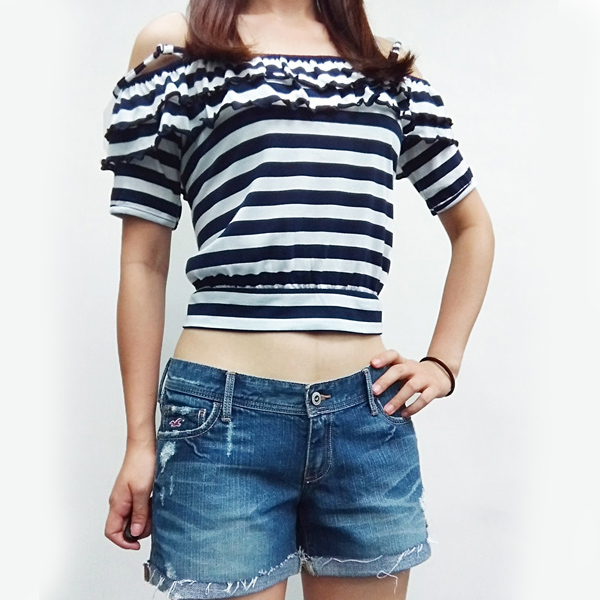 日本ANNA LUNA 現貨-甜美荷葉邊條紋一字領細肩短上衣 日本,ANNA LUNA,上衣