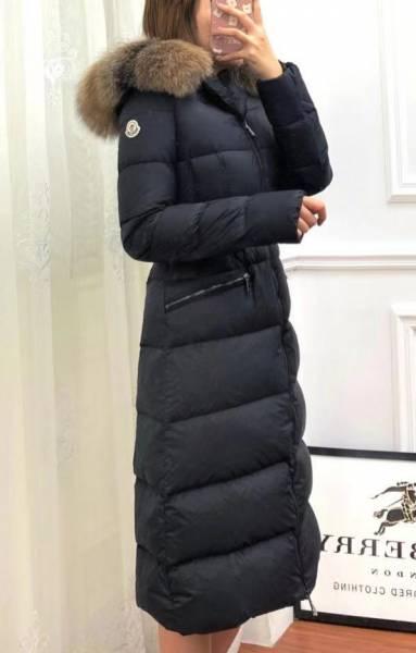 超值代購MONCLER 狐狸毛領長版羽絨外套(售價已折) 日本代購,Moncler ,羽絨