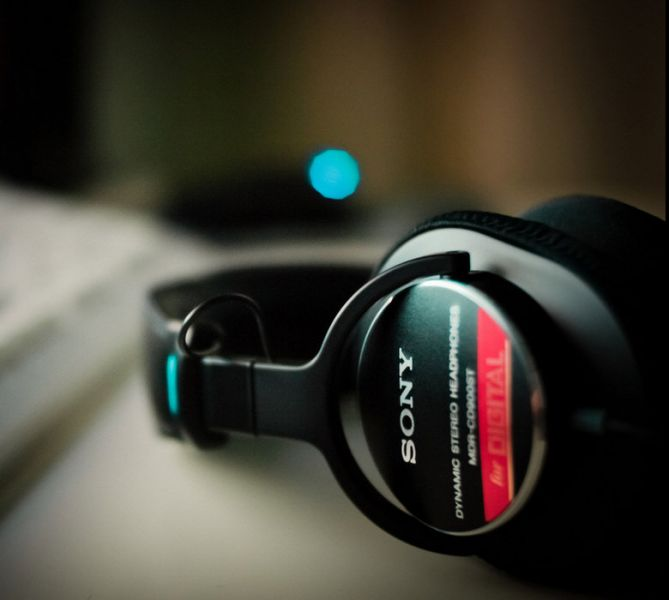 SONY MDR-CD900ST 耳罩式耳機 錄音室專用監聽耳機 日本製 國內限定版 SONY MDR-CD900ST,CD900ST,MDR-7506,MDR-V6,耳罩式耳機,頭戴式耳機,監聽耳機,日本