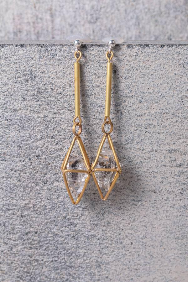 【人生】黃銅雙尖水晶鏤空垂墜耳環