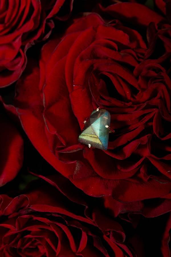 【自我】拉長石不規則切割耳針(925銀款) 拉長石,耳環