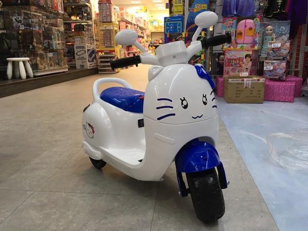 (藍色)甜心喵喵乘坐電動摩托車/電動機車 兒童電動車,電動摩托車,機車,聲光音效