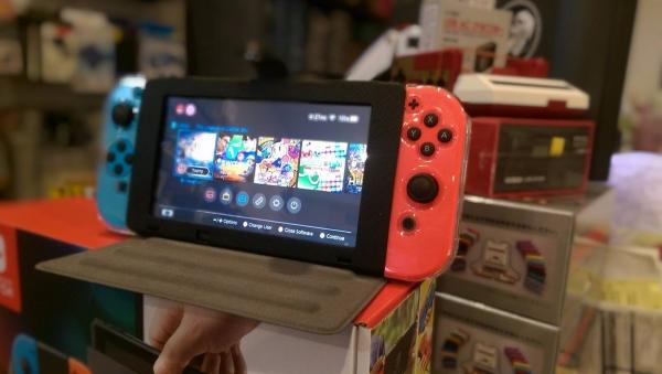 NS 翻蓋式 主機保護套 ※ 可站立 當螢幕架 Nintendo Switch 預購,Nintendo Switch,Switch,Joy-Con,收納包,硬殼包,攜行包,保護貼,卡夾盒,直立架,保護套,包包,NS,皮套