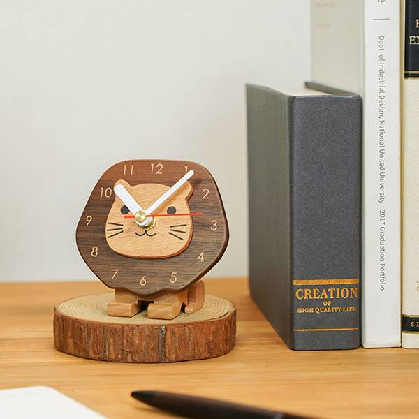 Frans Clock wood, woodart, lion clock,