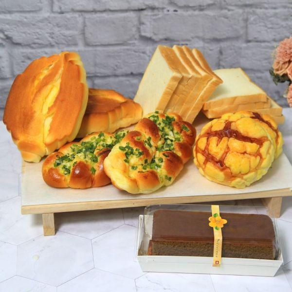 羅宋系列*宅食光麵包箱(咖啡蛋糕)!!好評免運中!!超級牛奶羅宋麵包*2  蔥花麵包*2  波蘿麵包*2  薄片吐司9片*2  咖啡蛋糕*1