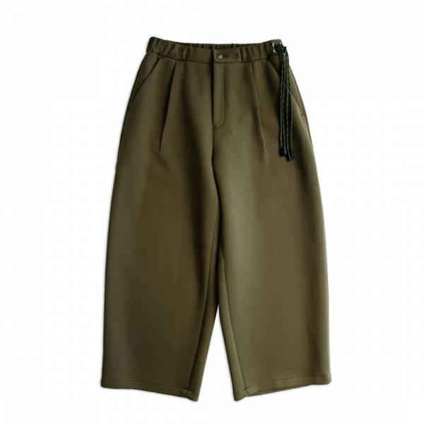 瓦愣針織巴倫褲 軍綠色,黑色,瓦愣針織,圓筒褲,巴倫褲,氣球褲,寬褲,厚挺,柔軟,輕量,透氣,不起皺折