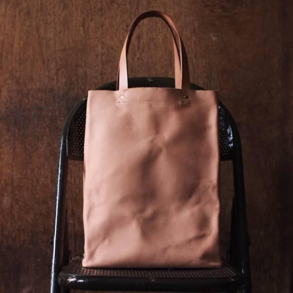 森林燦燦_植鞣皮革系列  手提寬底書袋/褐