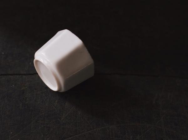 早期八角素白小杯