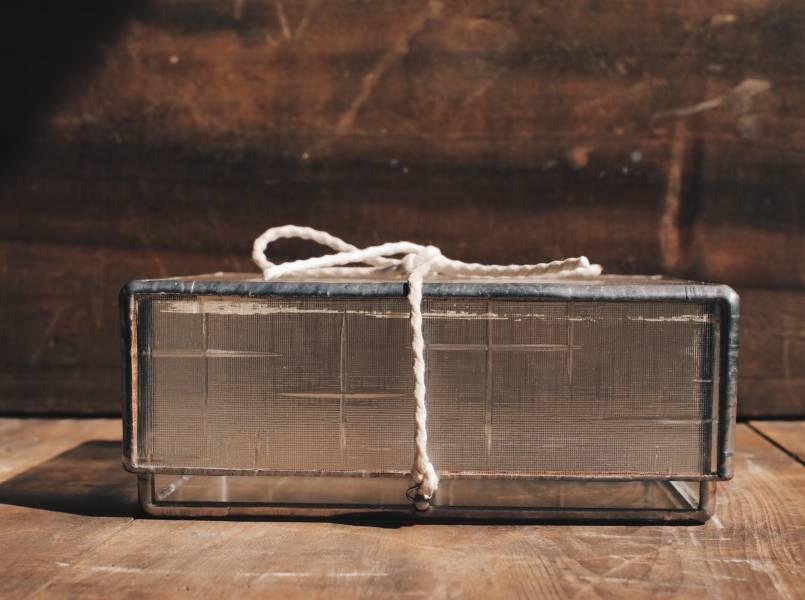 真真鑲嵌玻璃研究所 l 古台灣花紋玻璃盒 l 銀色邊飾