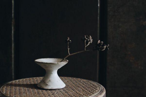 望氣|白高腳花瓶  矮