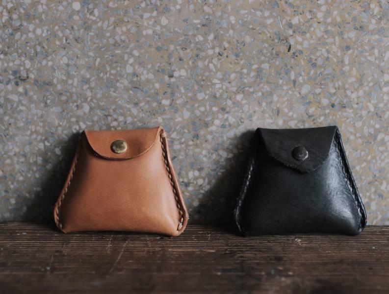 森林燦燦_植鞣皮革系列  三角零錢包  褐色/黑色