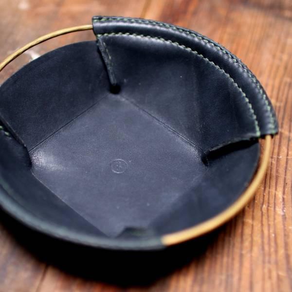 金皮製作 S-object黃銅皮革置物盤 - 圓 - 黑