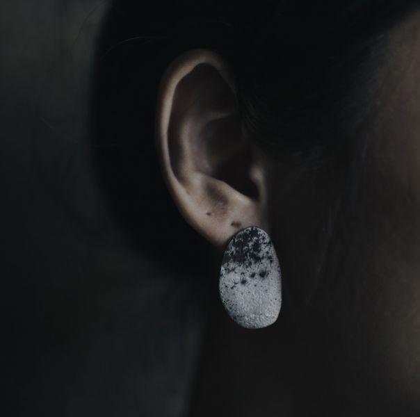 伴哲生錫飾品_卵形耳環
