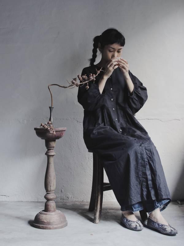 森林燦燦|服飾系列  棉麻洋裝  縮袖背褶  黑