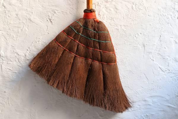 棕毛長掃把