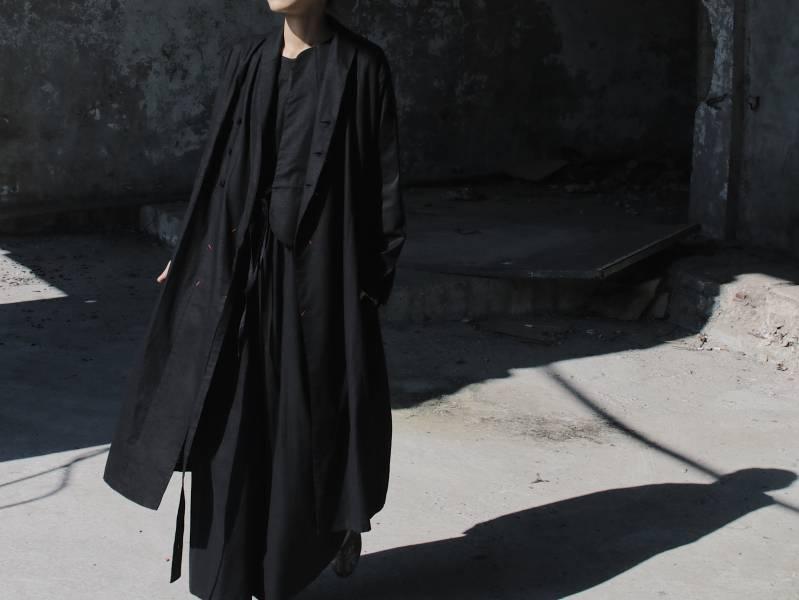 Once:Nice 和式翻領腰帶風衣洋裝_黑