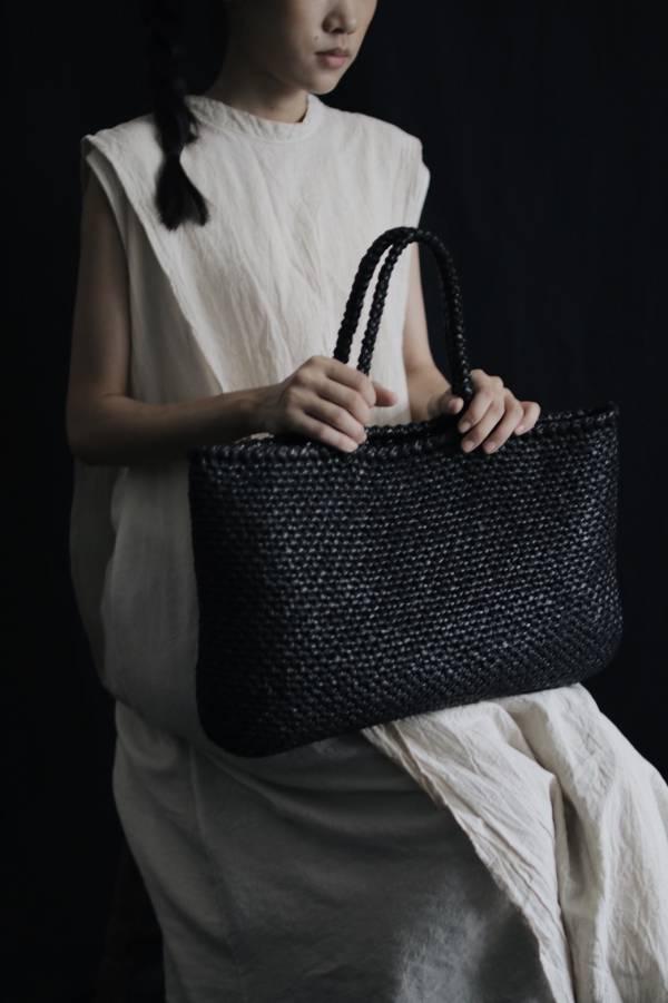 METTA|杉木纖維鉤針編織提袋|雙線短針黑色