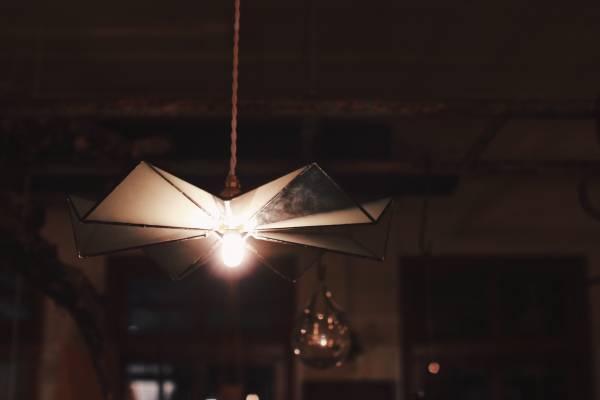 真真鑲嵌玻璃研究所 l 十四褶裙吊燈