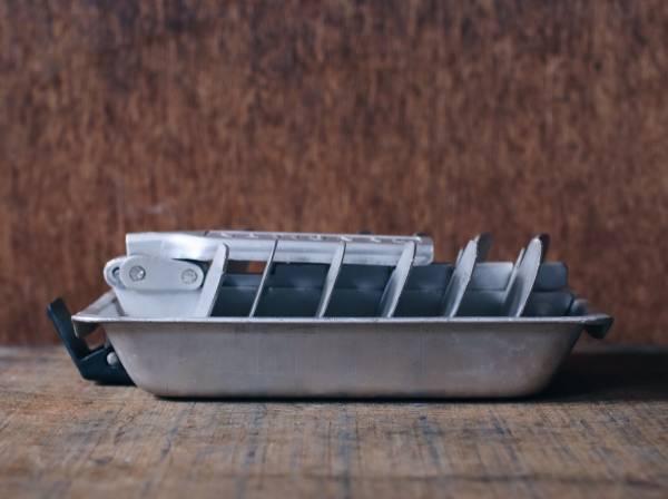 早期鋁製製冰盒
