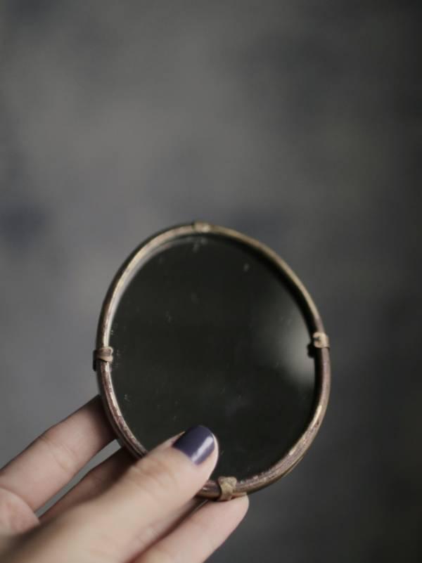 【時間選品】隙裏有光_黃銅手拿鏡D