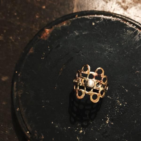 MUCAO | 蝕 solar eclipse系列:黃銅摟空片狀戒指