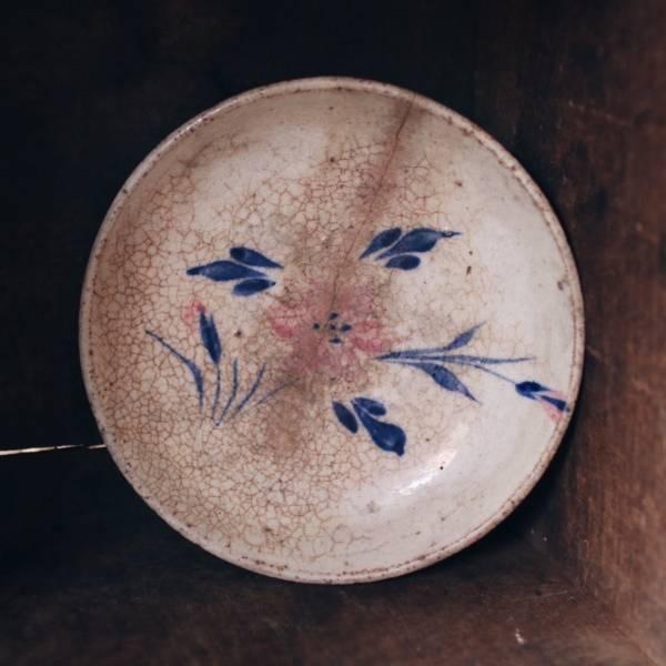 早期手繪花卉碟