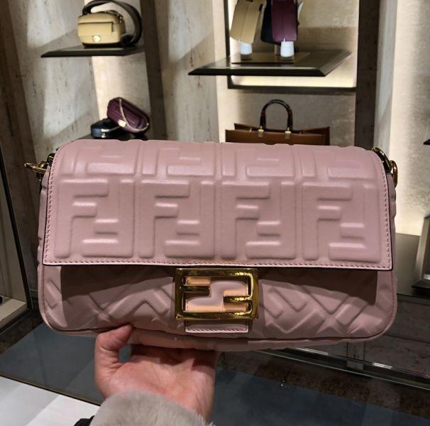 Fendi 粉紅色FF納帕 Baguette皮革 肩背包
