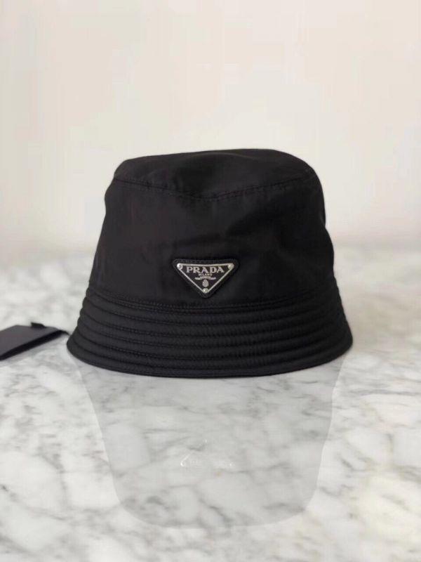 Prada 金属三角標尼龍漁夫帽  S/M/L
