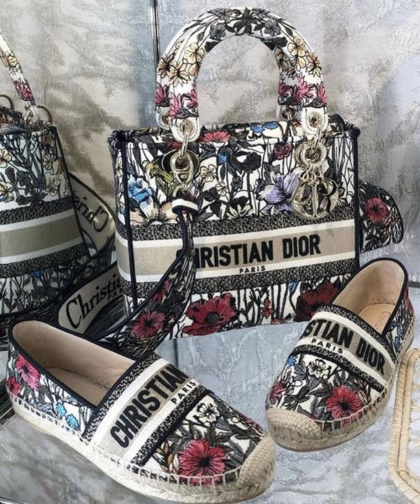 Dior Lady 中款多色 Mille Fleurs 刺繡 Lady D-Lite 戴妃包   Bottega Veneta