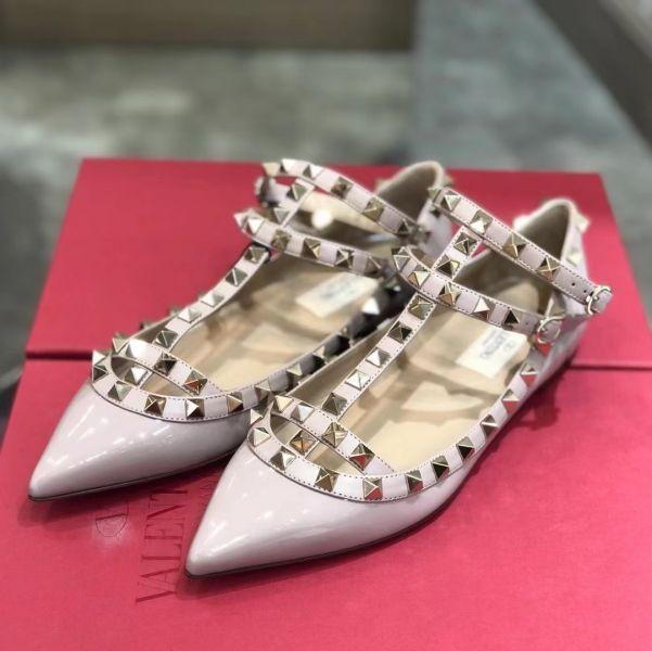Valentino 女款 Rockstud 漆皮繫帶芭蕾平底鞋  裸粉色  IT35/36/37/38/39
