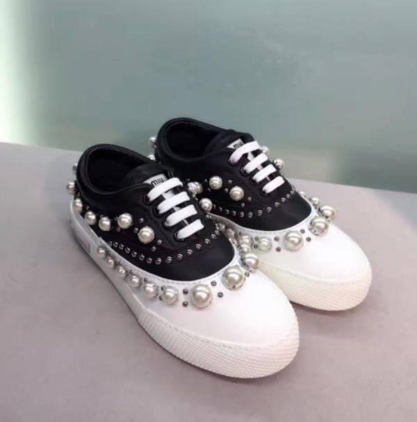 Miu Miu 5E0798 珍珠裝飾運動鞋  IT 36/37