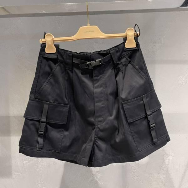 Miu Miu 女款華達呢短褲  38 XS/40 S/ 42 M /44 L