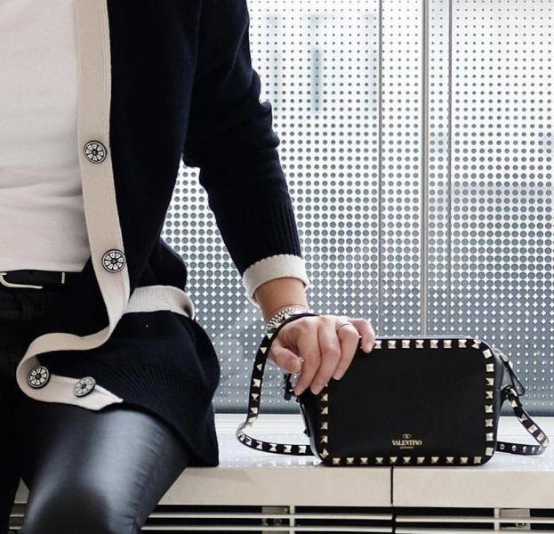 Valentino Rockstud 鉚釘Box小牛皮相機肩背包 黑色