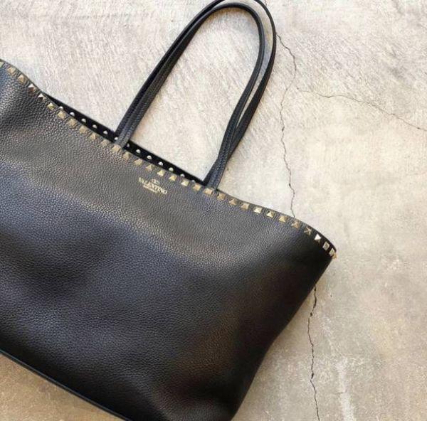 Valentino  Rockstud 中款小牛皮托特包購物袋 黑色