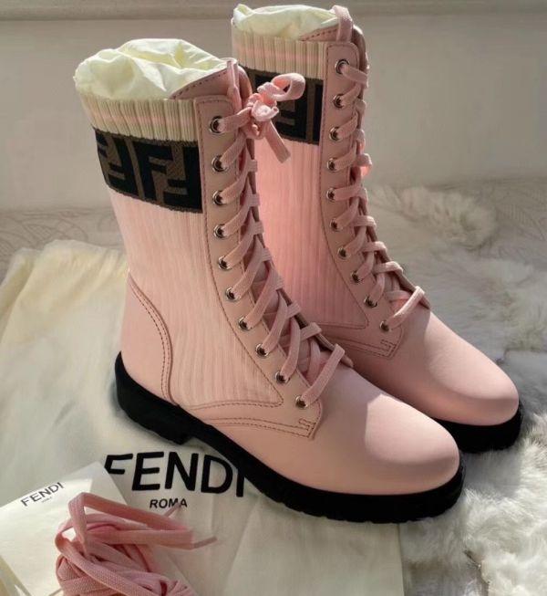 Fendi 女款 Rockoko 粉色中筒靴  IT 35/35.5/36/36.5/37/37.5/38/38.5