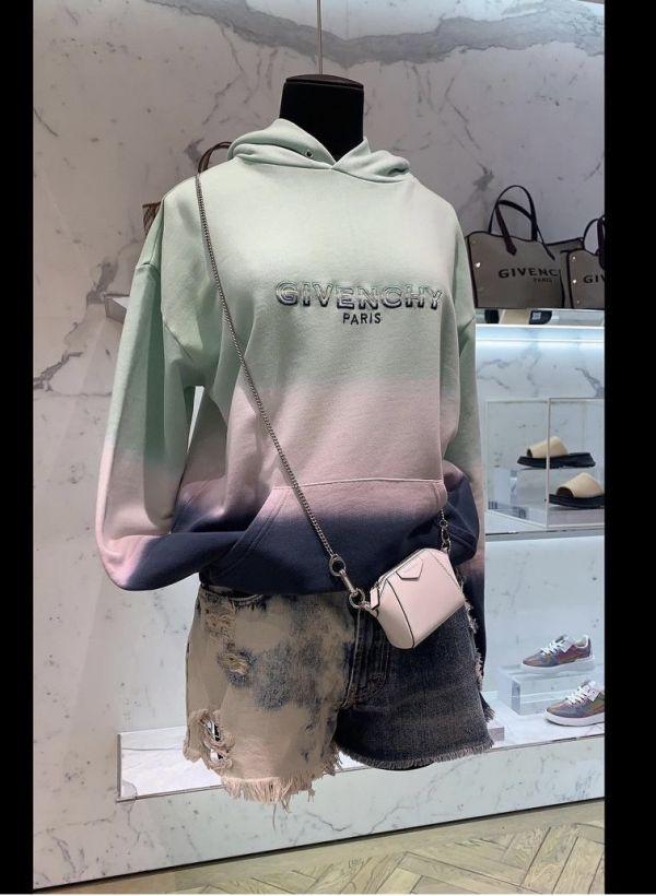 Givenchy Antigona Baby 小牛皮鏈條迷你包/掛飾  裸粉色