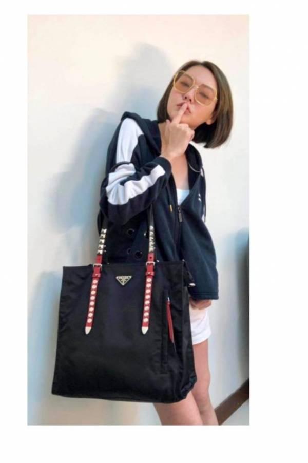 Prada 1BG260 Vela 倒三角標鉚釘購物袋2用包   黑/紅 Bottega Veneta