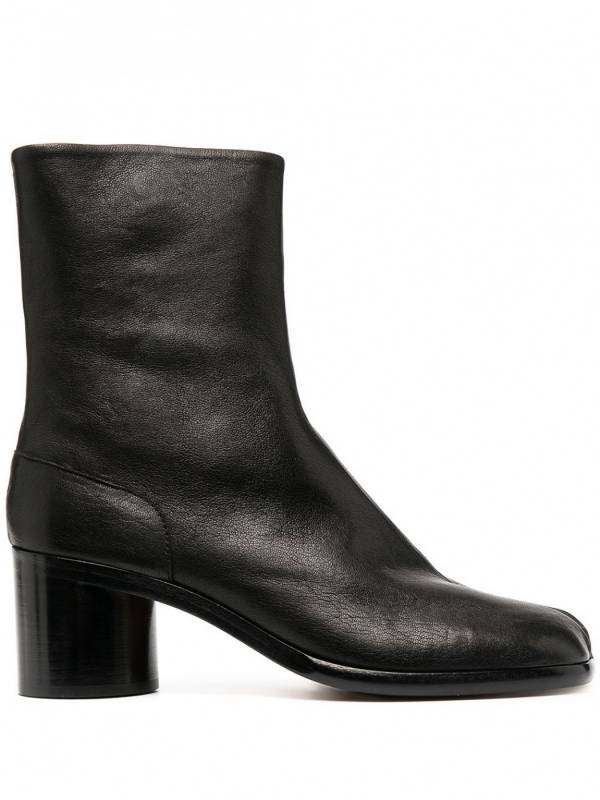 Maison Margiela 女款 Tabi 黑色霧面小牛皮羊趾短靴    IT 35/36/37/37.5/38/38.5/39 Bottega Veneta