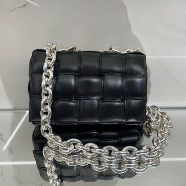 Bottega Veneta Padded Cassette 寬編織澎潤小羊皮銀鍊包       黑色